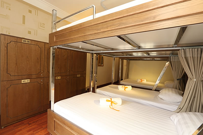 Single Bed in 6 Bed Mixed Dormitory Room